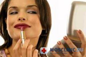 губная помада может навредить зубам